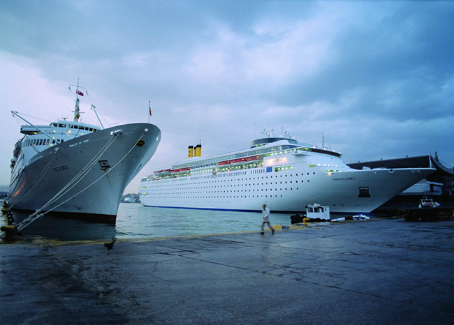 http://www.olp.gr/images/gallery/cruises_port.jpg