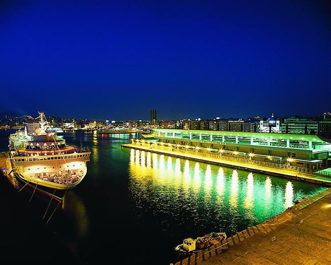 http://www.olp.gr/images/gallery/cruises_port_night.jpg